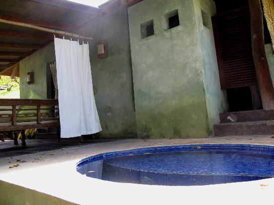 Laluna Hotel: View of open air bath, plunge pool and deck