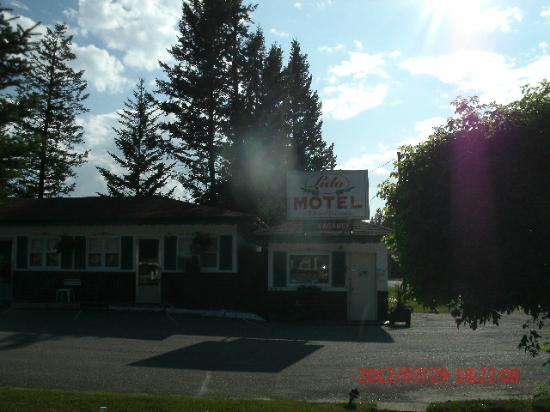 Lido Motel: Office 