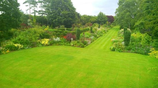 Goltho Gardens B&B: View of gardens from Green Room