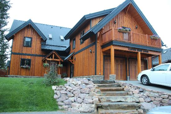 Canyon Ridge Lodge: Outside of home...spectacular!