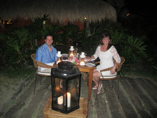 Laluna Hotel: Our 10 yr anniv candlelight dinner-- LOVED IT!