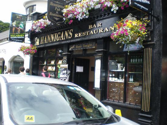 International Hotel Killarney: The pub