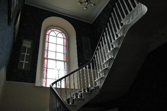 Lowenac Hotel: staircase