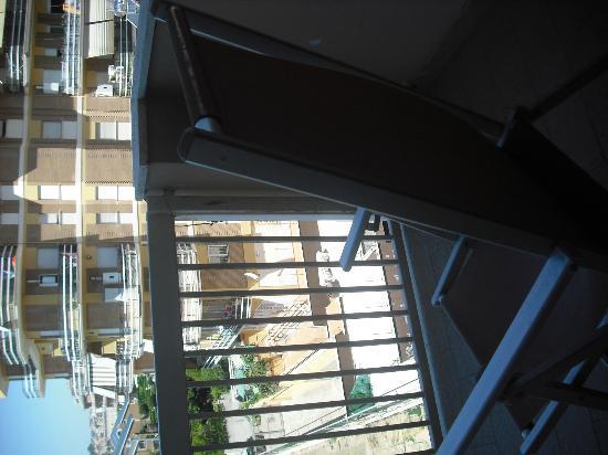 Scacciapensieri Hotel: silla en el balcon para disfrutarlo