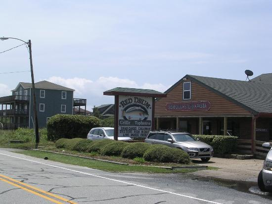 "Red Drum Taphouse: The Red Drum...the ""Cheers"" of the Outer Banks!"