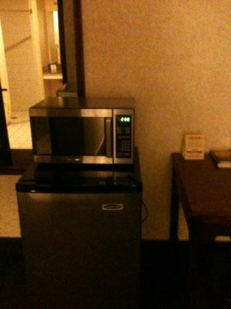 LivINN Hotel Minneapolis North / Fridley : fridge/microwave
