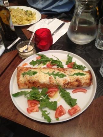 Cafe Citta: the amazing rolled pizza!