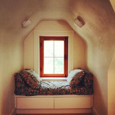 Beechmount Bed and Breakfast: nook!