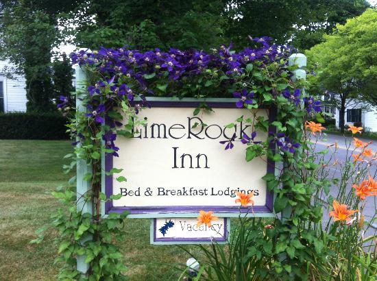 LimeRock Inn: Beautiful Sign