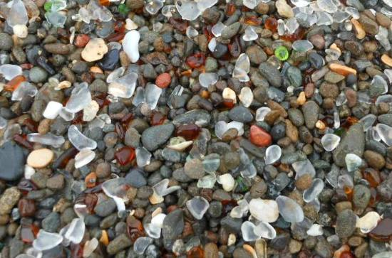 Glass Beach: interesting pieces of glass on the beach