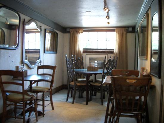Laid Back Atmosphere Picture Of Row House Cafe Seattle Tripadvisor