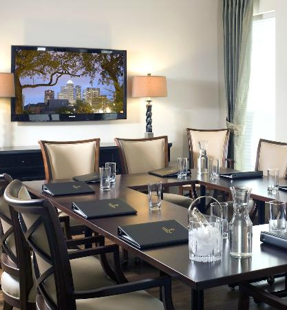 La Maison in Midtown, an urban bed and breakfast: Conference room for meetings