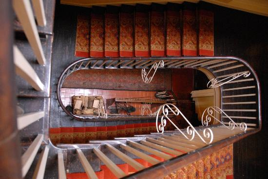 Ballynahinch Castle Hotel : Stairs up to bedroom