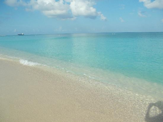 Cayman Reef Resort: 7 Mile Beach