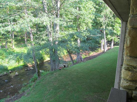 Inn at Blue Ridge: Looking right off the balcony showing more of the creek