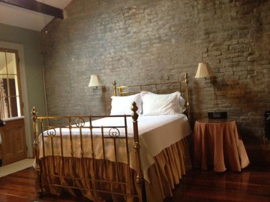 Monrose Row : Room Four