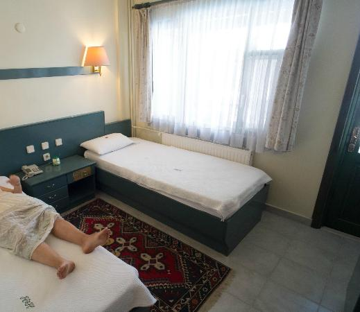Hal-Tur Hotel: Twin beds with a view