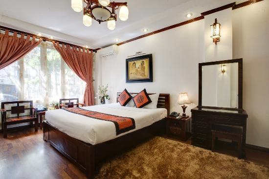 Aquarius Hanoi Hotel: Deluxe Double Room