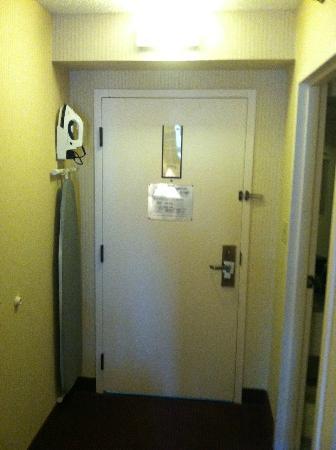 Comfort Inn: door