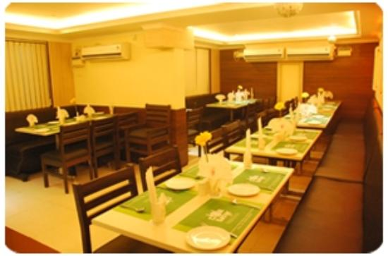 Akash Inn: Restaurant