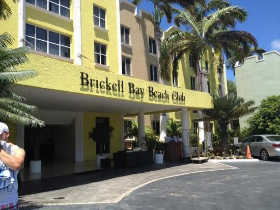 Brickell Bay Beach Club & Spa: front entrance