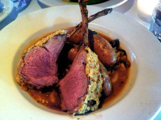 Stonehorse Cafe: Lamb chops medium rare and melt in mouth