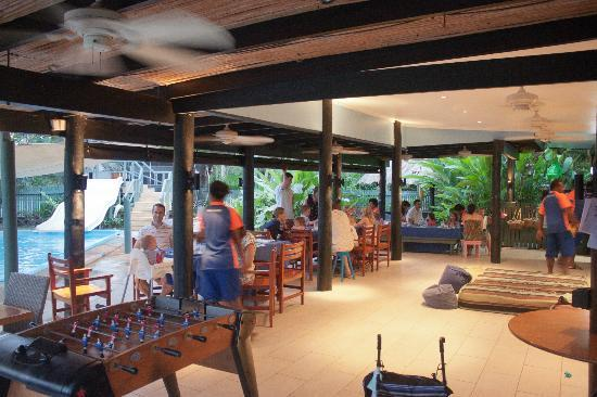 Jean-Michel Cousteau Resort: Bula Club at Dinner Time