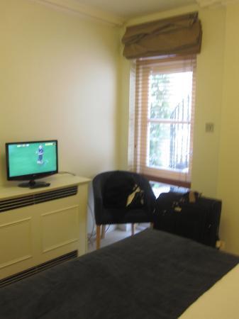 Fraser Suites Kensington: Second Room