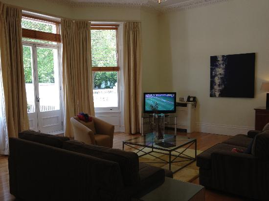Fraser Suites Kensington: Lounge in Suite
