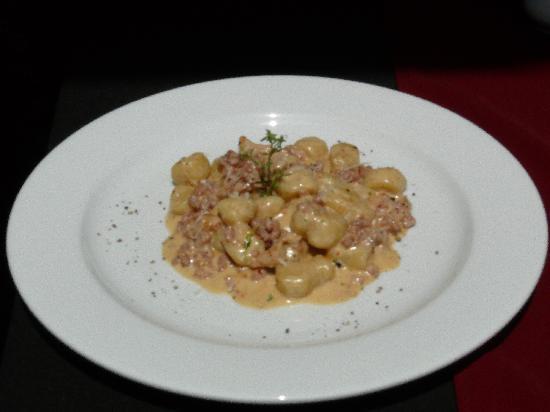 La Carbonara : gnocchi with sausage