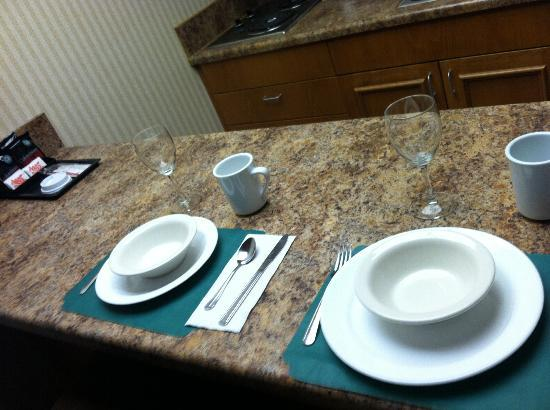 Holiday Inn Santa Maria: Kitchenette counter