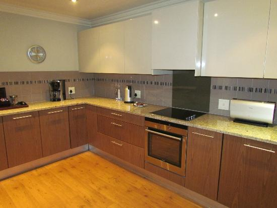 The Cape Royale: Kitchen in 2 bedroom suite