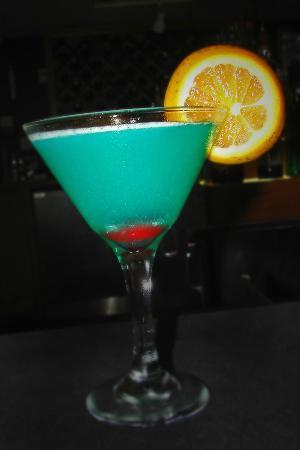 Angus Seafood Meats Spirits: Scenic Blue Martini