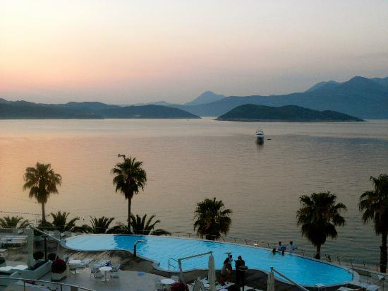 Lafodia Hotel & Resort: View from balcony