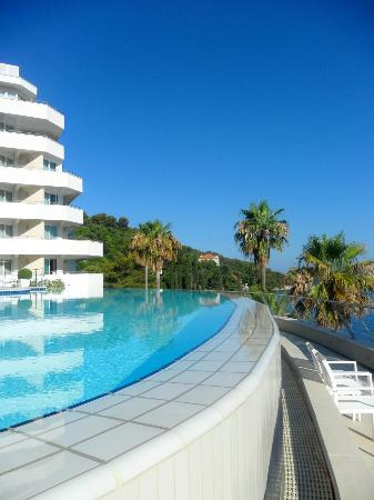 Lafodia Hotel & Resort: Pool