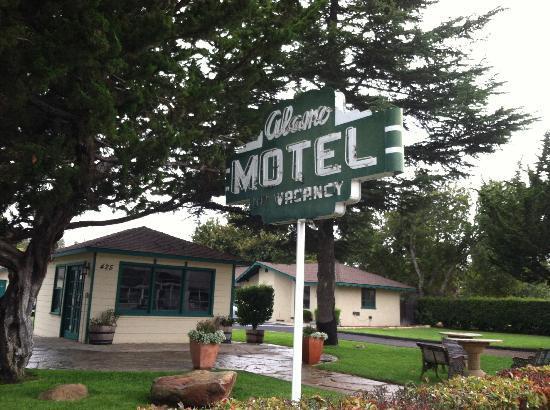 Alamo Motel Entry