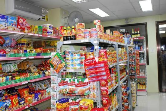 D'Mei Residence Inn: Convenience store