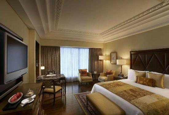 The leela palace chennai hotel reviews photos rate for Bathroom interior design chennai
