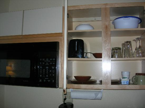 Larkspur Landing Hillsboro: kitchen