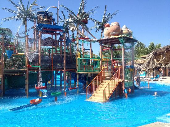 On The Beach Aqualand Resort Corfu