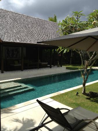 Saba Villas: Pool / outside lounge