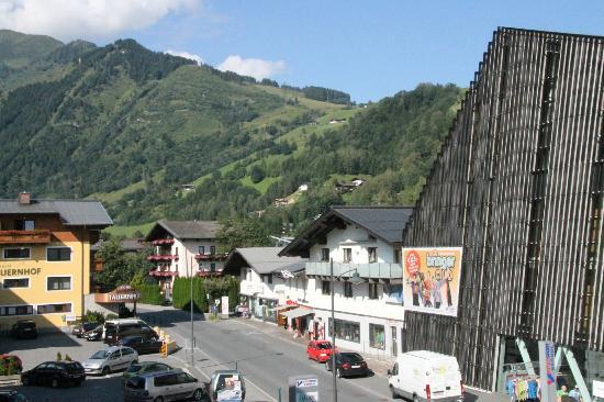 Aparthotel Waidmannsheil: View from the Fuchsbau balcony