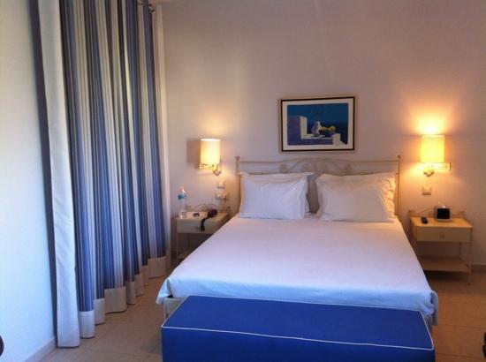 Finikas Hotel: chambre dans la suite