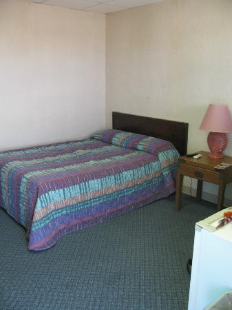 Sandpiper Motel: My clean room