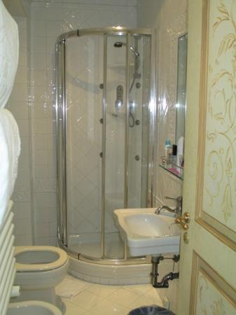 Hotel Villa San Pio: bathroom