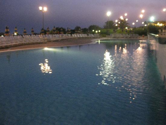 Serenusa Village : piscina bimbi