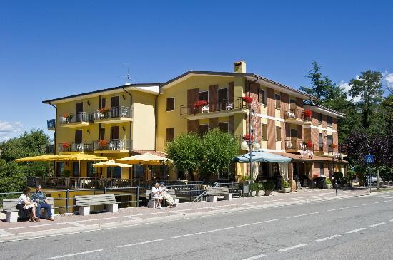 Hotel San Zeno San Zeno Di Montagna Vr Italien