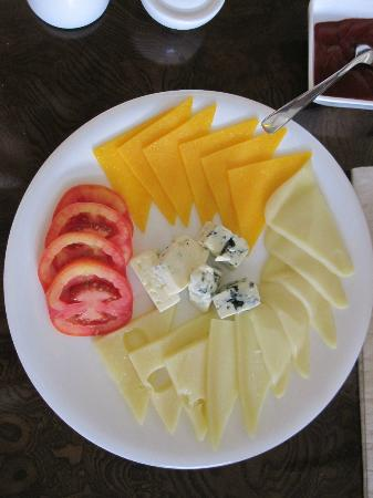 Impiana Private Villas Kata Noi: Part of the Breakfast cheese platter