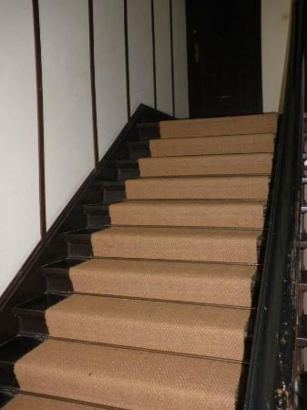 Kima Hotel: Stairs