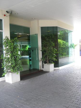 Bangkok Patio : Front door
